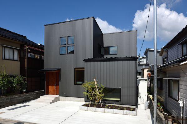 ガルバリウム鋼板とサイディング 外壁に使うなら?