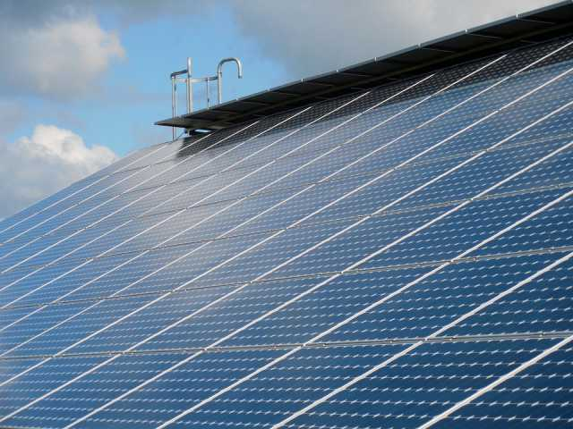 太陽光パネルを新築後に後付けするデメリットは?