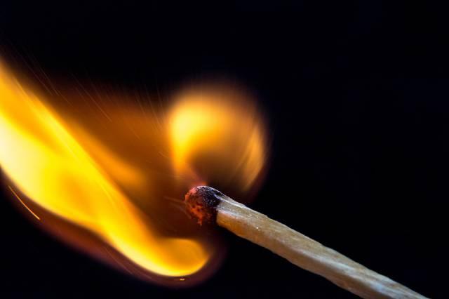 s_fire-1492098_960_720